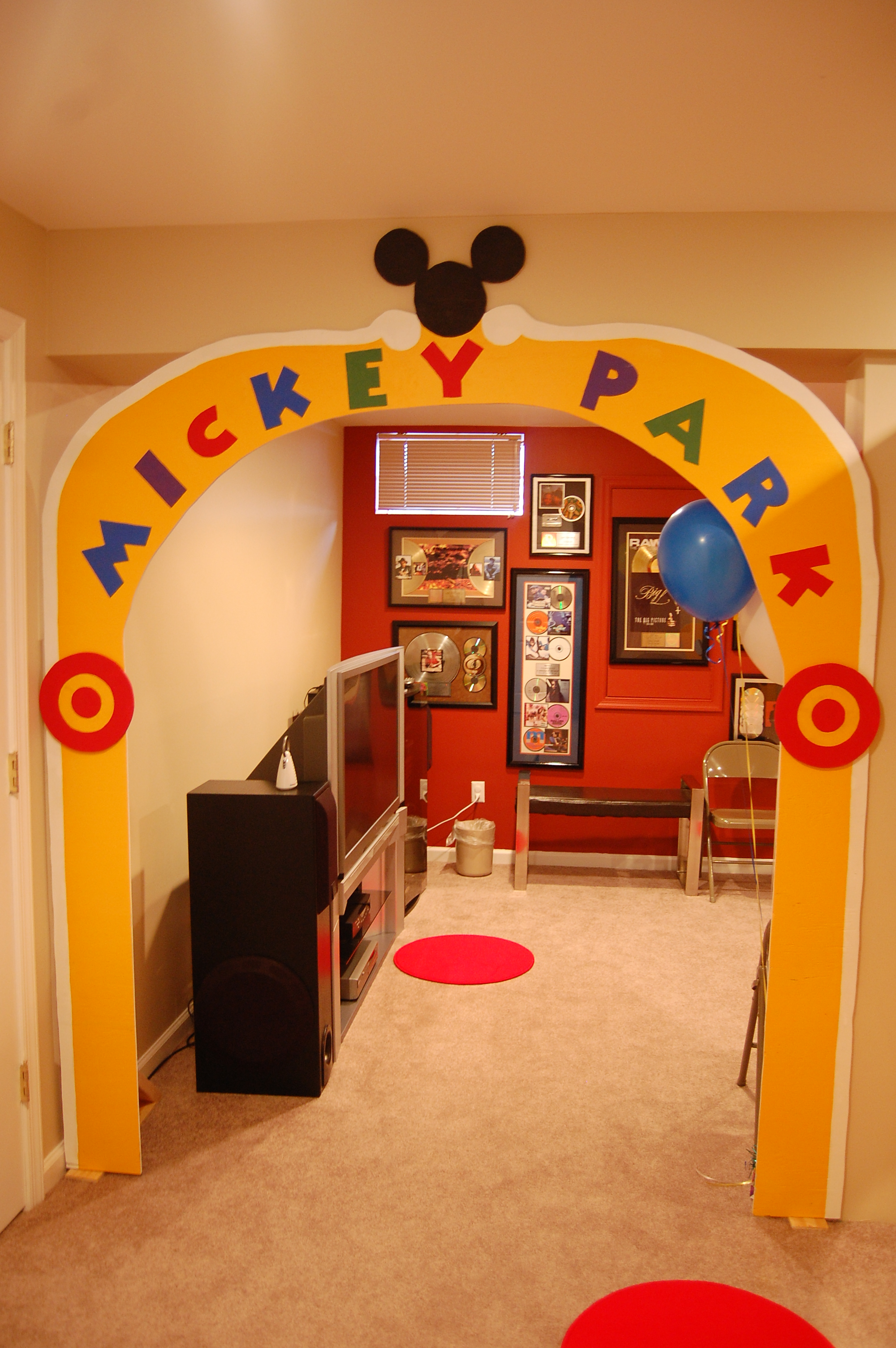 birthday party theme mickey mouse clubhouse her life inspired now that the hardest part was done i had a graphic designer that i worked with create the windows i used mounting squares to stick them to the wall