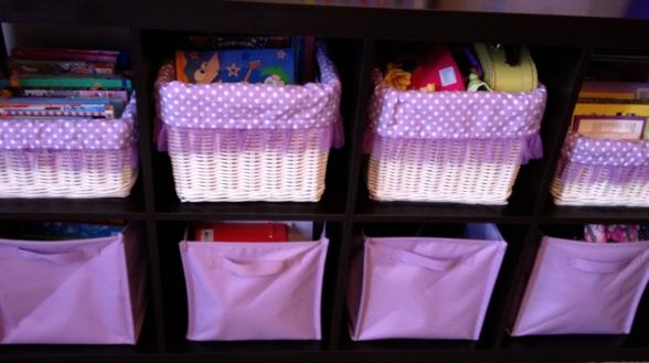 bookshelf baskets