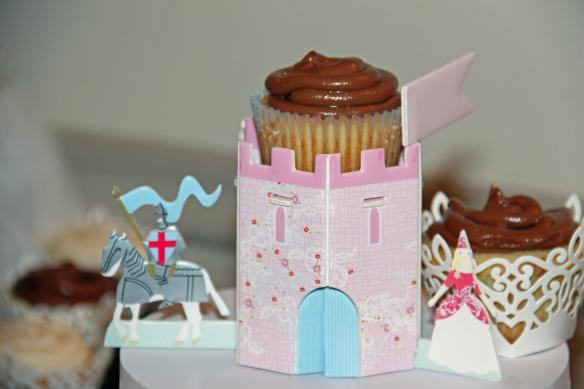 Castle cupcake holder